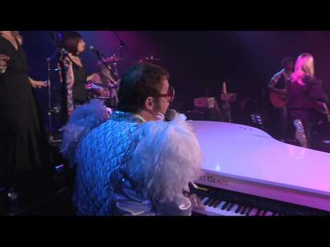 AXSTV The Worlds Greatest Tribute Bands - Kenny Metcalf As Elton - Bennie And The Jets