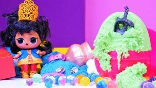 LOL bebekleri. Yumurtalarda balo elbisesi arıyoruz! Çocuk videosu