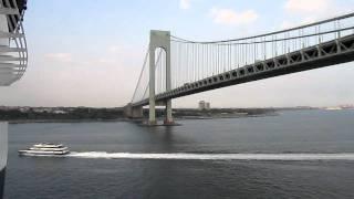 Verrazano-Narrows Bridge, Queen Mary 2, Staten Island-Brooklyn…