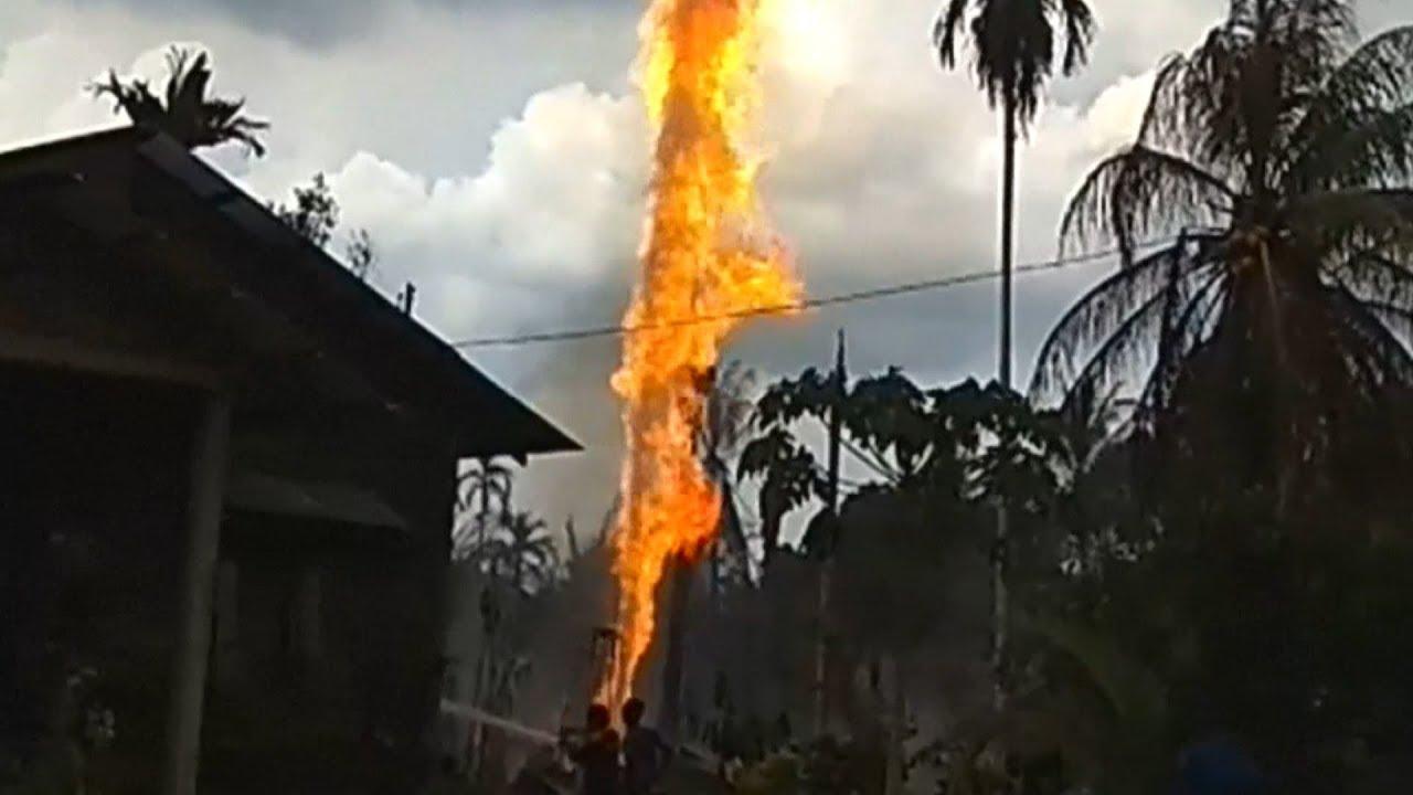 印尼油井爆炸烈焰衝天 至少15死40傷 20180426 公視早安新聞 - YouTube
