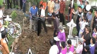 2012-08-03-Pemakaman-Ya Namamu Maria