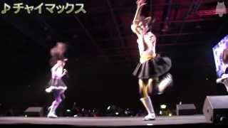 フランス japan expo での ももクロの公演から。 床板を踏み鳴らす音が...