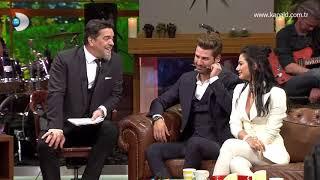 """Beyaz Show - Demet Özdemir dizideki öpüşmeyi anlattı """"dizide öpüşmek aslında çok..."""