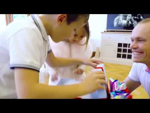 Катя и Макс купили собачку