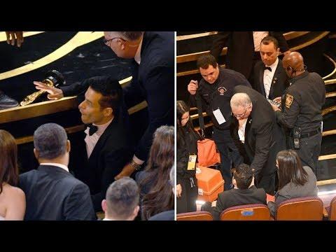 Rami Malek Tersungkur ke Area Penonton Usai Menerima Oscar