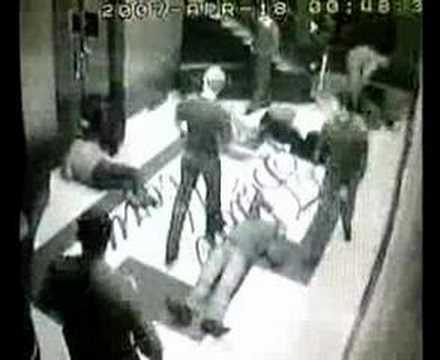 """Ухта. """"Белые Ночи"""". Охрана избивает посетителей."""