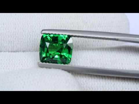 Tsavorite Garnet  3.04 carats