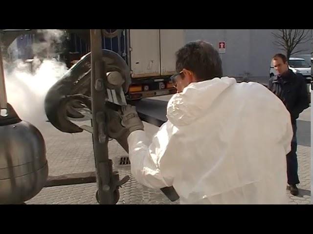Méca   Dégraissage et nettoyage pièces métallique avec phosphotation avant peinture