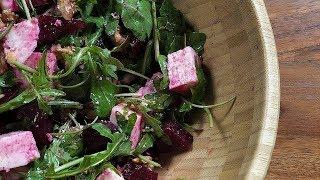 Как приготовить салат с сыром, свеклой и орехами