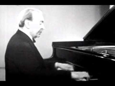 "Benno Moiseiwitsch plays Brahms ""Variations and Fugue on a Theme by Handel"" Op. 24 (1953)"