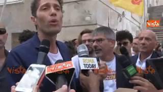I Radicali consegnano in Campidoglio le firme per il referendum ATAC
