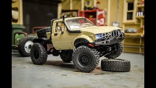 Modifying the WPL 116 scale Toyota Hilux RC Crawler, Paint and Details