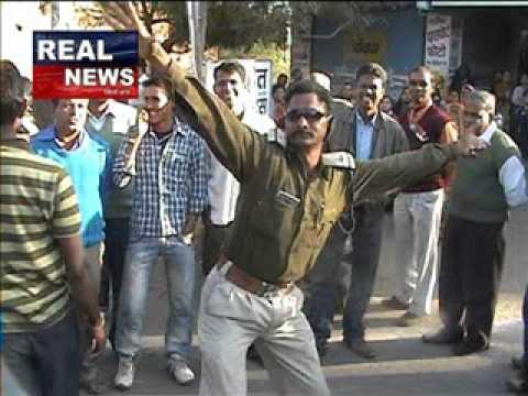 real news mandsaur  nashe me police