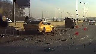 В Екатеринбурге разбили суперкар Mercedes GT AMG