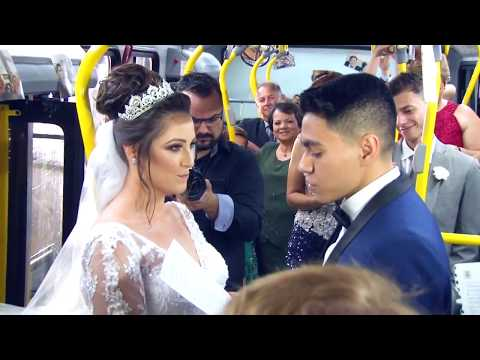 Paraná Portal | Casal faz cerimônia de casamento dentro de ônibus no PR