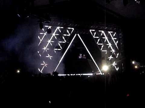 Daft Punk at Coachella 06 (GREAT QUALITY)