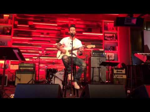 "Adam Levine ""Sunday Morning"" The Voice Coaches Performances"