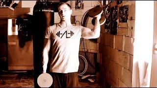 Cviky na biceps   jednoruční činky   Aleš Lamka