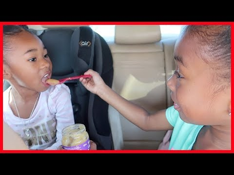 Mommy Drives Her Hungry Baby To The Store | Pretend Play