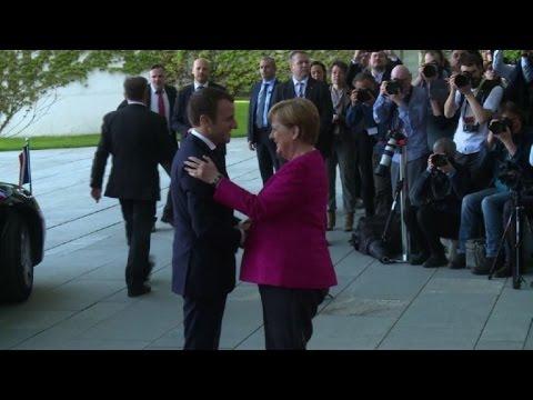 Emmanuel Macron rencontre Angela Merkel à Berlin