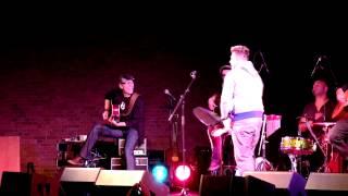 "Menowin Unplugged ""Rock The Floor"""