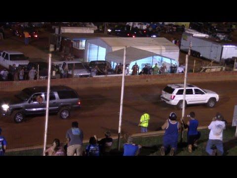 Winder Barrow Speedway Truck pull 7/30/2016