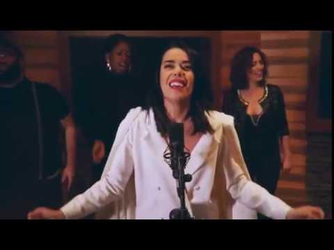 Beatriz Luengo - Reik - Mas que suerte - Live version Extraordinaria