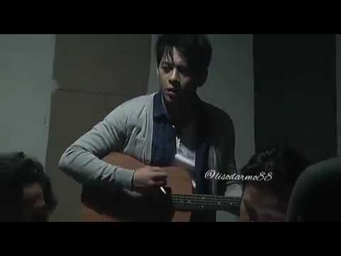 """Ariel Noah Acoustic """"di Balik Awan"""""""