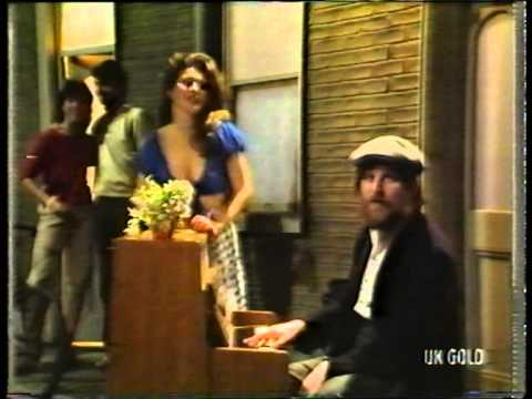 Chas and Dave - London Girls (1983)
