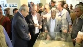 بالفيديو : وزير الآثار يفتتح مركز زوار تل العمارنة في المنيا