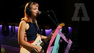 Beach Bunny - 6 weeks | Audiotree Live