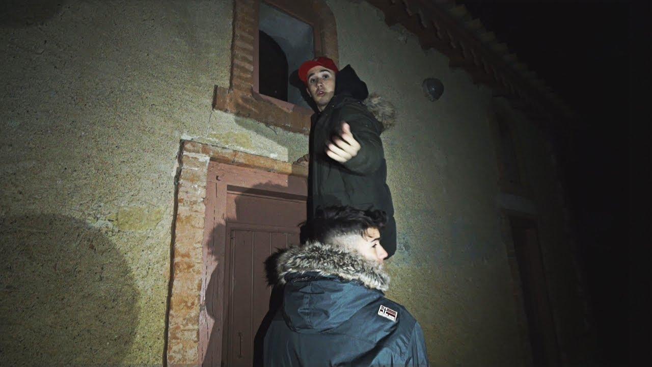 no-te-vas-a-creer-lo-que-encontramos-en-una-casa-secreta-del-castillo-tenemos-miedo-shooter
