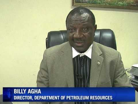 Oil, oil everywhere but no petrol at Nigeria's pumps