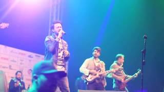 Atif Aslam paying Tribute to Junaid jamshed | Aitbar heart touching Song