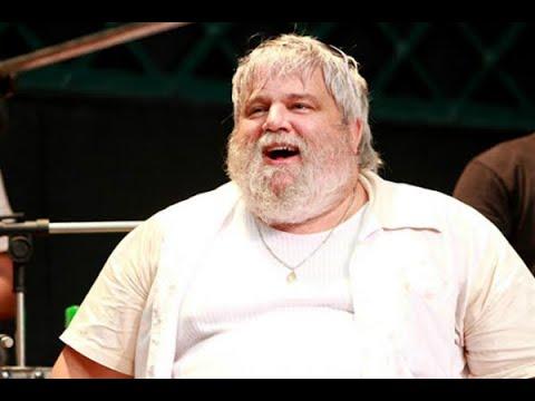 Jornalista e produtor musical, Carlos Eduardo Miranda morre aos 56 anos | SBT Brasil 23/03/18