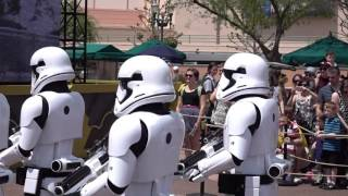 captain-phasma-and-stormtrooper-march