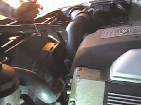 Range Rover Discovery Sport >> Range Rover MKIII - How To Change Radiator - YouTube