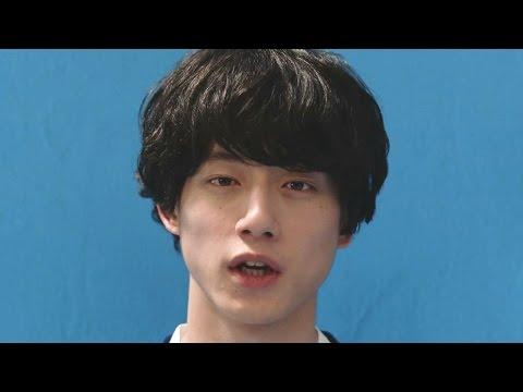 坂口健太郎、画面どアップで落ち込んだ表情みせる トーンモバイル新CM「大人になって後悔篇」