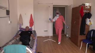 Победившая коронавирус Портрет медсестры на фоне пандемии