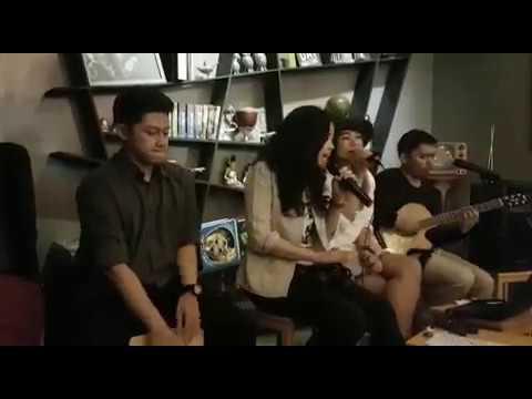 hip hip hura -  Genesis Acoustic feat Dwiki