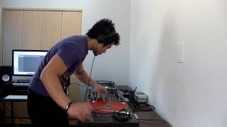 DJ M.E.C. on 3 Decks - Drum