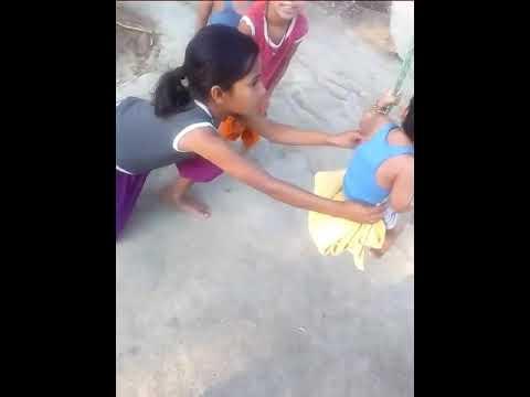 Palak Dubey jhula jhul rahi hai at Bhatahar