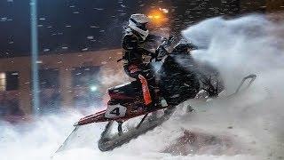 Над Ханты-Мансийском пролетели 30 снегоходов