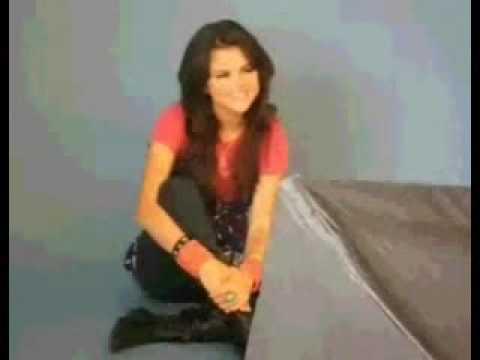 Selena Gomez singt Hannah Montana Rockstar