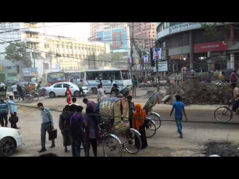 THE BUSIEST DHAKA CITY (documentary) - Malibag MOOR MOST BUSIEST PALACE IN DHAKA. MARCH '2016