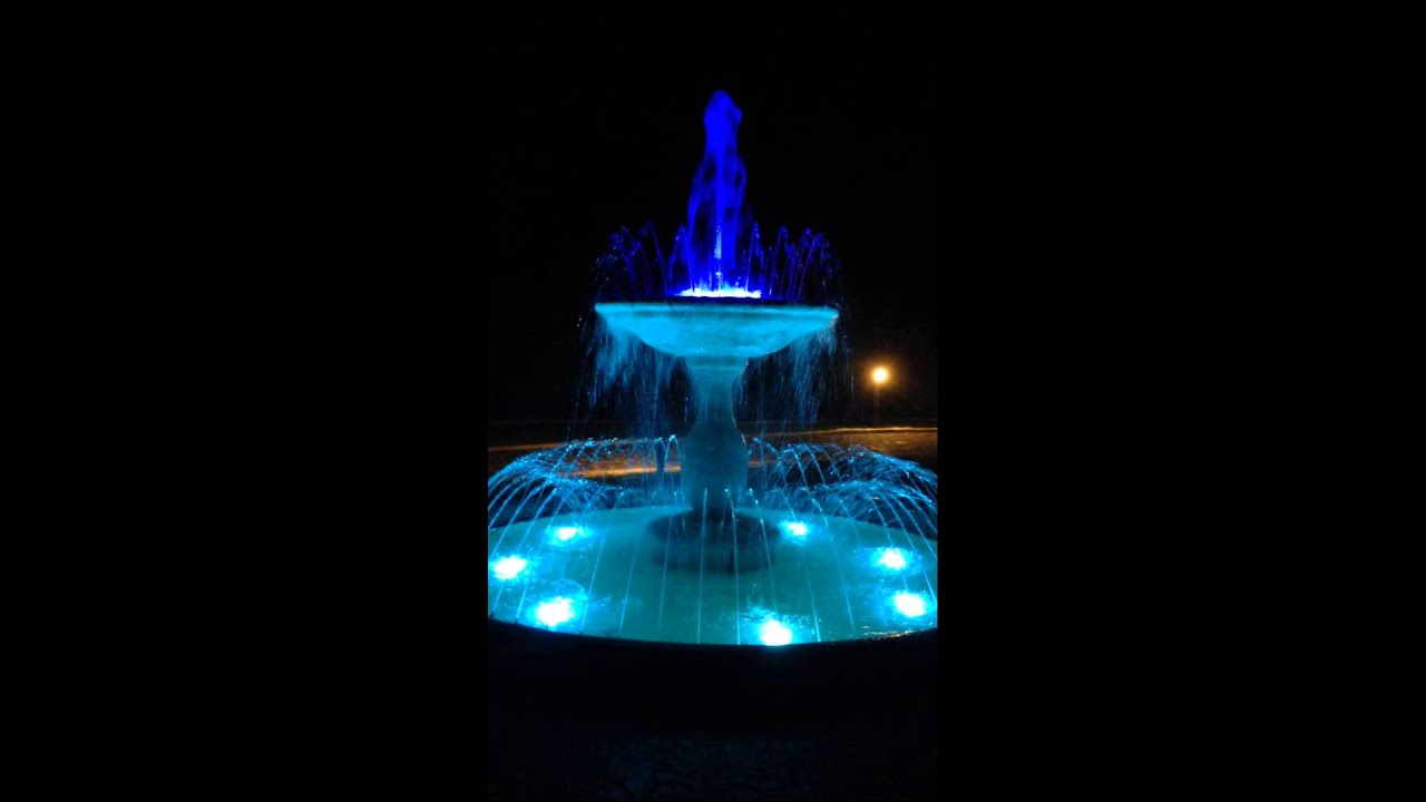 Illuminazione fontana con led rgb youtube for Illuminazione da giardino a led
