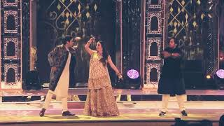 Family's Dance  Mukesh Ambani daughter Isha Ambani Wedding