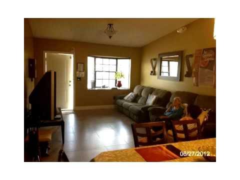 8886 NW 119 ST,Hialeah Gardens,FL 33018 House For Sale