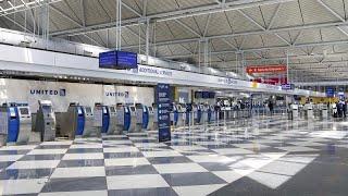 United Airlines: Σε αναστολή το μισό προσωπικό