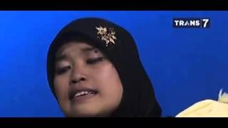 Video HITAM PUTIH Kisah  Sedih  Ibu  Pengamen  Sambalado  Ayu Ting Ting part 1 download MP3, 3GP, MP4, WEBM, AVI, FLV Agustus 2017